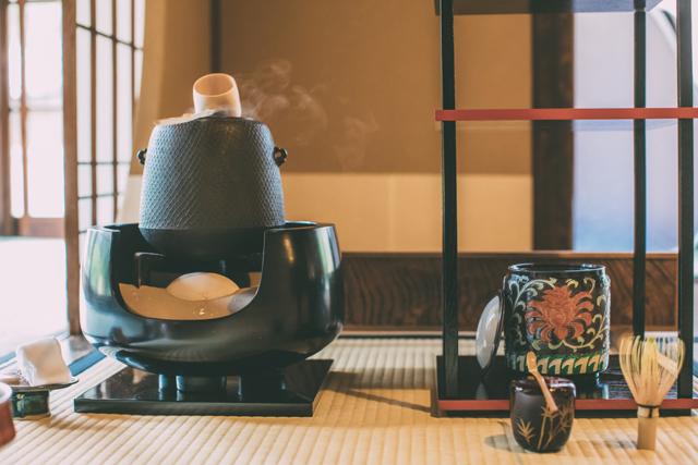風炉(ふろ)の茶道具買取なら無料査定ができるSATEeee茶道具買取へ